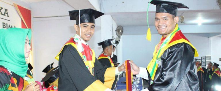 Wisuda 78 Mahasiswa, STKIP Harapan Bima Akan Jadi Harapan Masyarakat