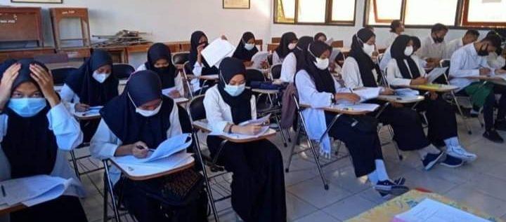 Ujian Seleksi Penerimaan Mahasiswa Baru STKIP HARAPAN BIMA